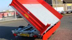 Dreiseitenkipper 3500 kg mit E-Pumpe, Auffahrschienen, Kurbelstützen für Schüttgut und Bagger