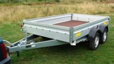 Bau und Geraeteanhaenger offen - Tieflader / doppelachser 2000 kg gebremst - Ladeflaeche: 3010 x 1830 x 345 - Nutzlast ca. 1400 kg