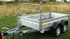 Bau + Gartenanhaenger mit Leitergestell - Tieflader / doppelachser 1500 kg gebremst - 100 km/h - Ladefläche: 2510 x 1280 x 345 - Nutzlast ca. 1100 kg