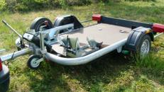 Absenkbarer  1er oder 2er Motorradanhänger 750 kg ungebremst - ebenerdiges verladen für schwere Maschinen