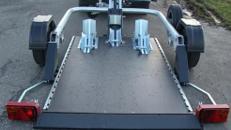 2er Motorradtransporter absenkbar - 750 kg ungebremst / mit Stossdaempfern - Ladeflaeche L x B mm 2200 x 1400