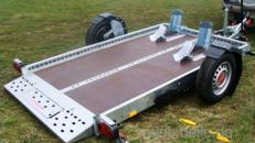 MAX & MORITZ absenkbarer Motorradanhänger 1300 kg gebremst mit Stoßdämpfern 100 km/h