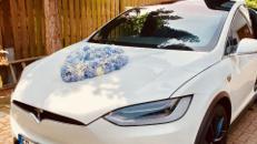 Tesla Model X als Hochzeitsauto, Chauffeur/-in