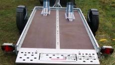 Absenkbarer 2er Motorradanhänger 1300 kg gebremst / mit Stoßdämpfern 100 km/h