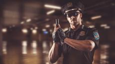 Charmanter heißer Stripper MATT kommt z.B. als Polizist Überraschung