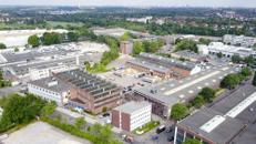Voll erschlossene, große Hallenflächen mit Roll- oder Sektionaltor in Düsseldorf