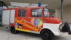 """Feuerwehr Oldtimer """"Blitzi"""", dass Bastelmobil der besonderen Art"""