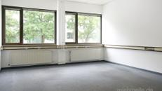 Renovierte Büroflächen mit Klimaanlage und wöchentlicher Reinigung in Maintal