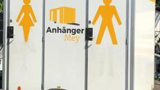 Toilettenwagen 1 Damentoilette, 1 Herrentoilette, 1 Urinal ideal für Polterabend