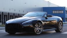 Aston Martin V8 Vantage S Roadster mieten, auch als Gutschein. Von Ihrem Sportwagenexperten ECC-RENT