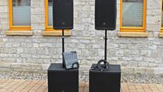 Beschallungsanlage Musikanlage PA-Anlage Tonanlage für Events mit Mischpult und PC-Anschluss-Kabel