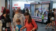 Traxas Interaktiver Werbeträger / Augmented Reality / Kundenstopper mit Fotobox & Gutscheinfunktion