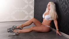 Stripperin Miss BETTY - geheimnisvoll attraktiv und sehr sexy