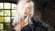 Stripperin Miss DESIREE  - aus dem berühmten DOLLHOUSE Hamburg Stripperin Showgirl
