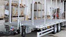 Tandem-Tieflader mit Auffahrrampe / LKW Anhänger / Baumaschinenanhänger