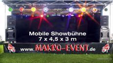 Mobile Showbühne mit installiertem Licht