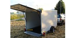 Daisy Absenkbarer Kofferanhänger bis auf den Boden,  abschließbar 1800 kg gebremst / 100 km/h