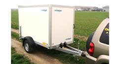 Pershing Kofferanhänger geschlossen 1300 kg gebremst / 100 km/h