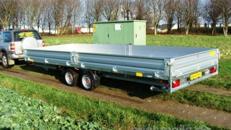 Offener Alukastenanhänger 6 m Hochlader 3500 kg gebremst – 100 km/h