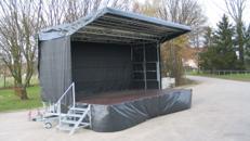 Mobile Bühne 6,8m x 4,4m (30m²) - Stagemobil Trailerbühne