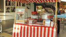 Sweet Food Stand Popcorn Zuckerwatte gebr. Mandeln