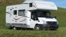 Hymer Carado Wohnmobil für 6 Personen Haustiere erlaubt.
