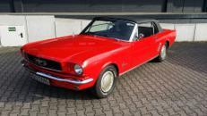 Ford Mustang Cabrio - ein Oldtimer Traum