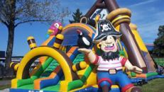 Piraten Hüpfburgen! Bis 26 Meter Länge!