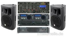 Musikanlage mit Doppel-CD Player + SD-Karenspieler