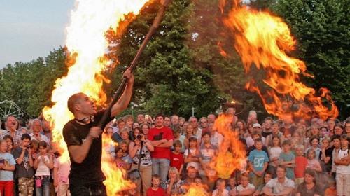 Feuershow/ Feuerspucker/ Künstler/ Event/ Party/ Feuer/ Comedy