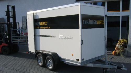 Kofferanhänger/Geschlossene Pritsche 3,30m