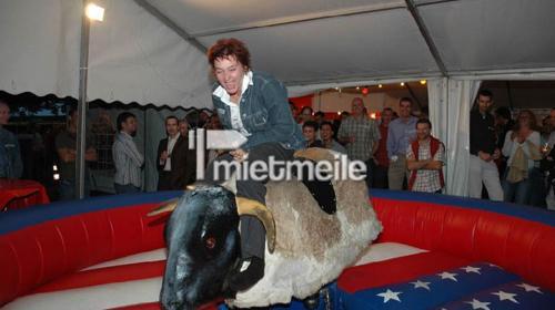 Bullriding Bullenreiten Das macht Spaß !!!