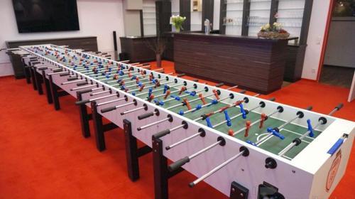 XXXL Riesenkicker: Tischfussball für 22 Spieler