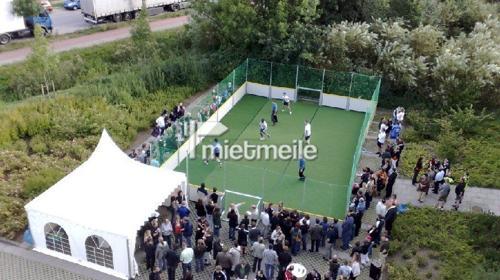 Street Soccer Court - Straßenfußball mieten