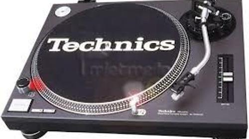 Technics 1210 MK II Disco-Plattenspieler