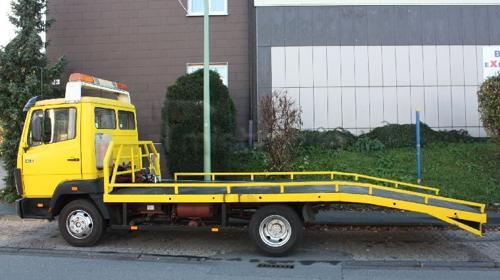 Abschleppwagen mit Plateau und über3t Nutzlast !