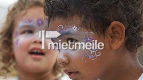 Opalia Farbenfrohes Kinderschminken Kindergeburtstag