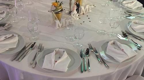 runde Banketttische , runde Tische , Tische Hochzeit