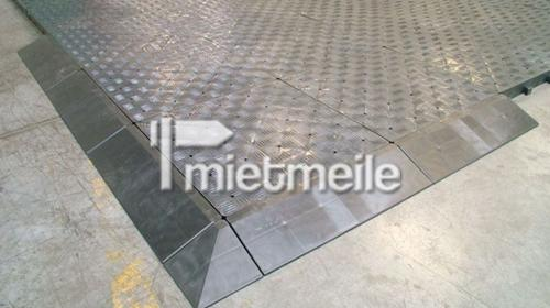 Kunststoffboden/ Wabenboden