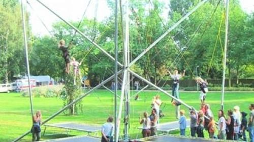 Bungee Trampolin/ Trampolin/ Event/ Eventmodule/ Messe/ Party/