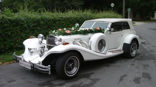 """Oldtimer """"Excalibur"""" Cabrio in weiß"""