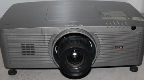 EIKI XL-100 5000 AnsiLumen Videoprojektor / Beamer