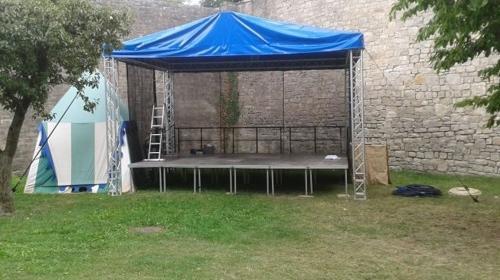 Bühne 4,0 x 6,00m mit Dach
