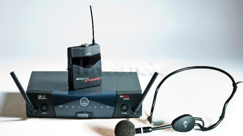 AKG Funkmikrofon Headset (Kopfbügelmikrofon)