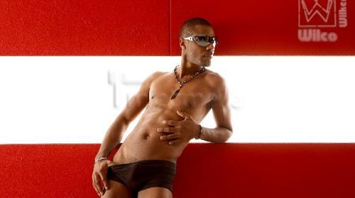 Schwarzer Stripper Pedro für Paderborn - NRW