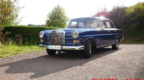 Mercedes W110 Heckflosse Baujahr 1966