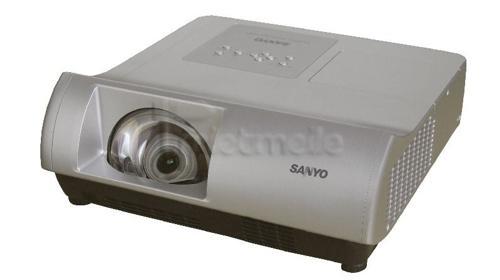 Kurzdistanzprojektor » SanyoWL2500A  »  HD Ready