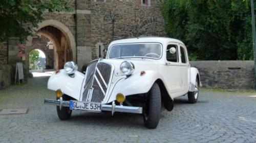 Oldtimer Citroen in weiß - Hochzeitsauto - Brautauto