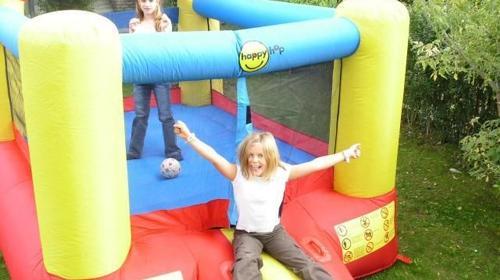 Hüpfburg, kleine Kinder, Kinderfest, Party