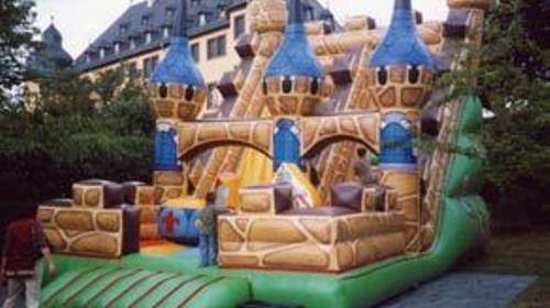 Riesenrutsche Schloss